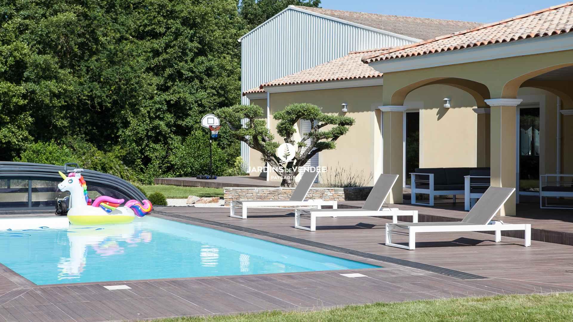 jardinsdevendee-nosrealisations-piscine11-compressed